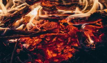 Una notte intorno al fuoco